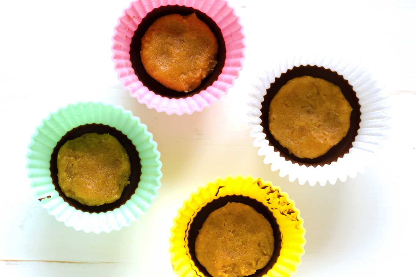 Vegan Peanut Butter Cups | http://eatwithinyourmeans.com