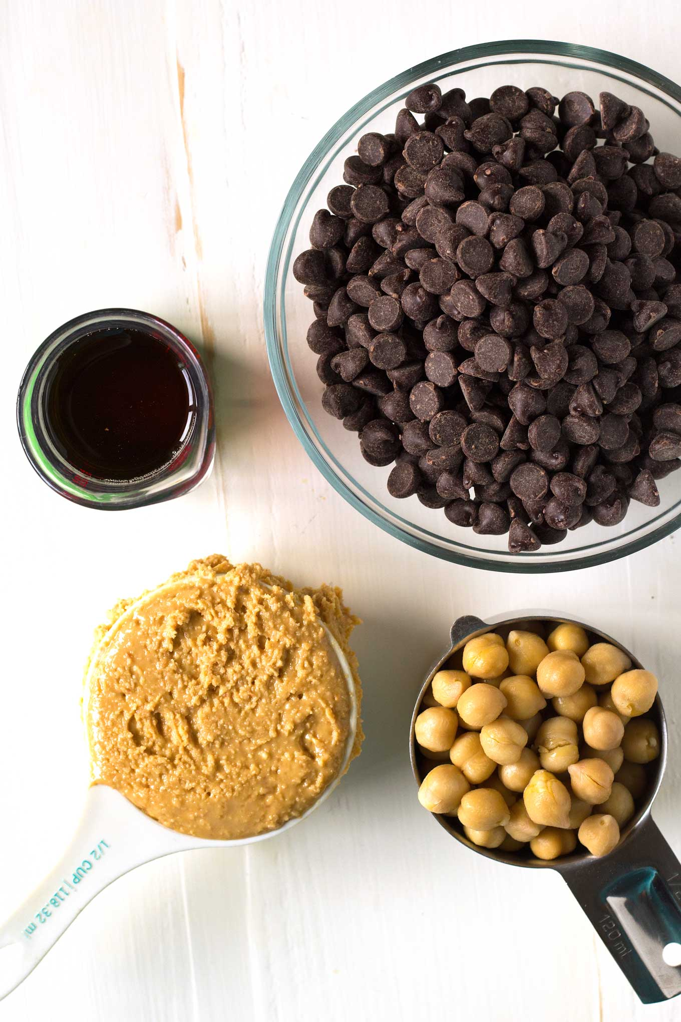 Vegan Peanut Butter Cups | https://passtheplants.com