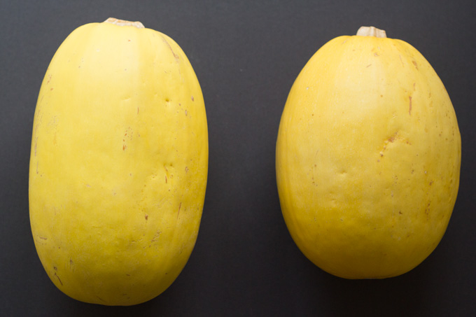 How to Cook Spaghetti Squash (that actually looks like spaghetti) | https://eatwithinyourmeans.com