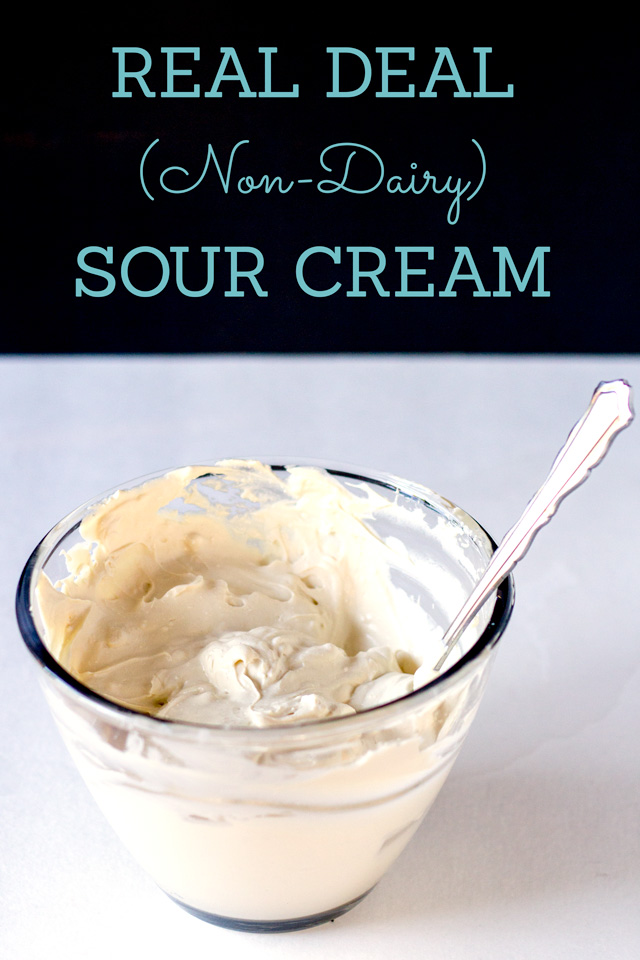 Homemade Non-Dairy Sour Cream That Tastes LEGIT| http://www.eatwithinyourmeans.com