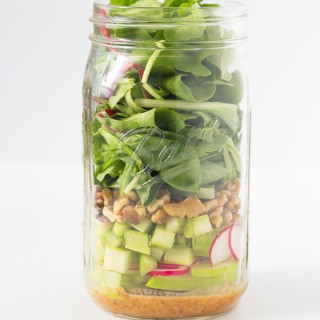 A Simple Mason Jar Salad + My Review of The Conscious Cleanse