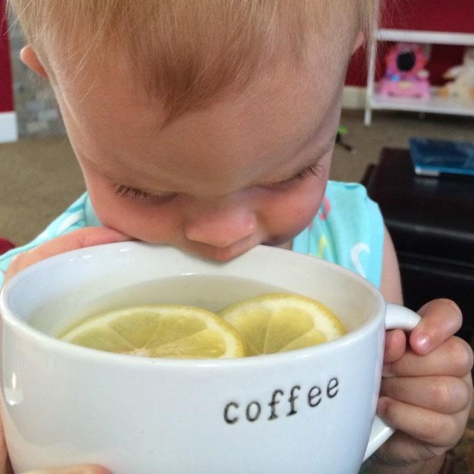 vida-drinking-lemon-water