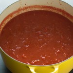 Simple Tomato Sauce | http://eatwithinyourmeans.com