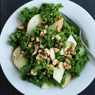 Simple Kale Salad | http://eatwithinyourmeans.com