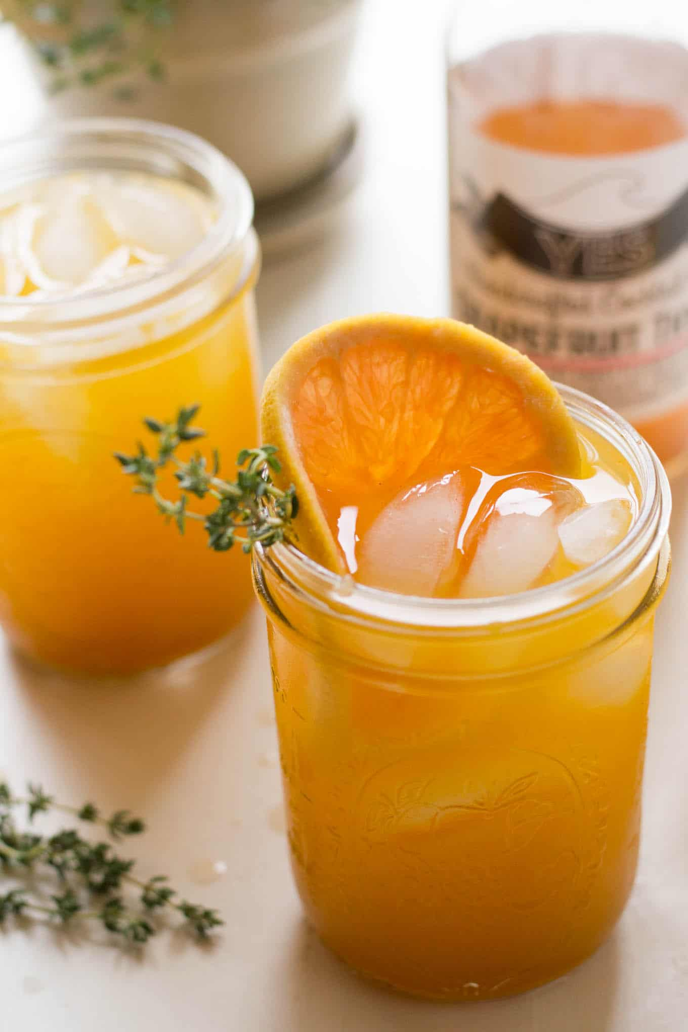 This grapefruit thyme turmeric sparkler is a refreshing way to get your antioxidants from turmeric while beating the heat! | https://passtheplants.com