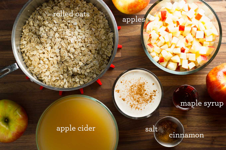 Apple Pie Oatmeal | Vegan - Gluten-Free - Unrefined Sugar | https://eatwithinyourmeans.com