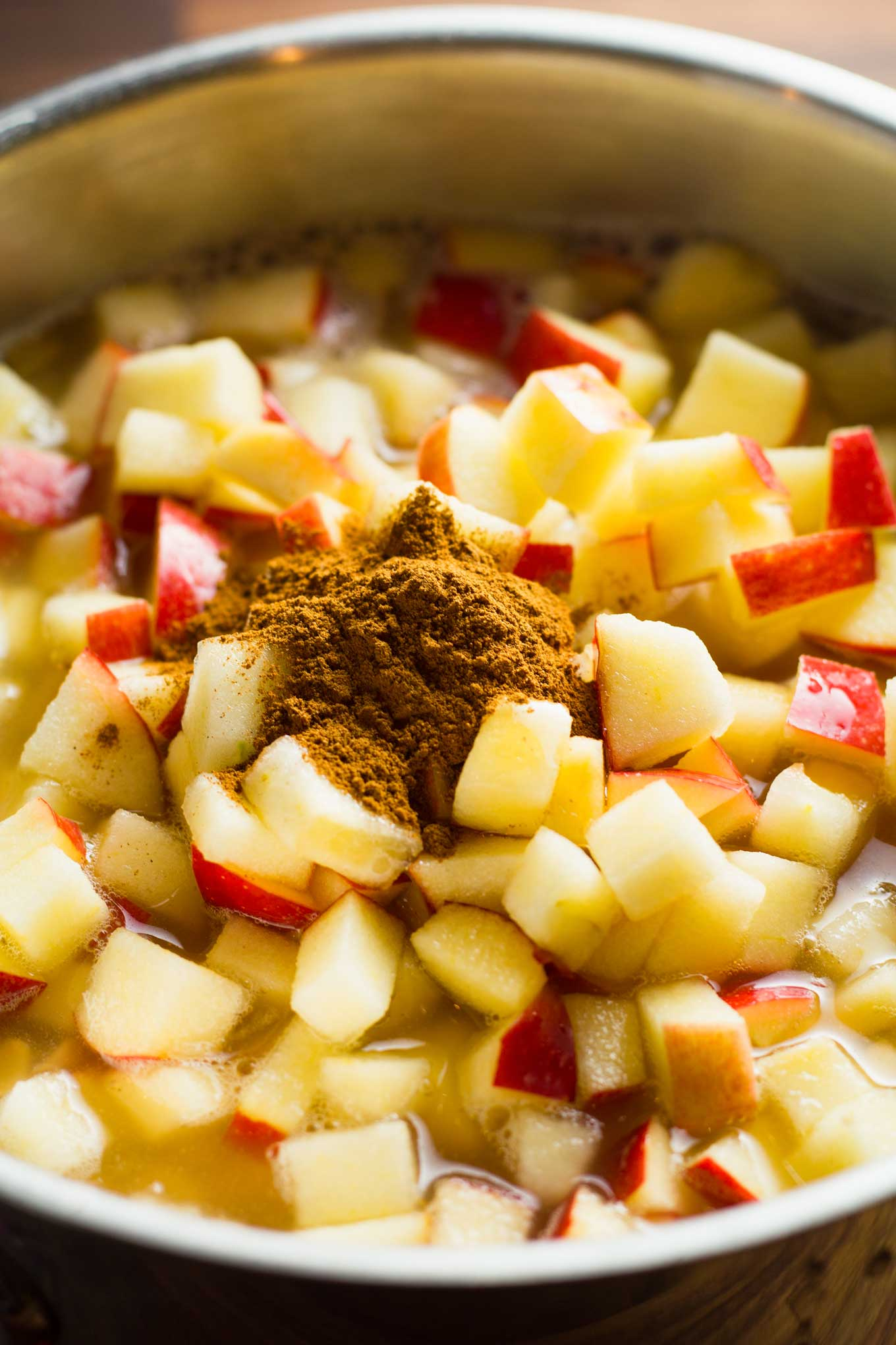 Apple Pie Oatmeal | Vegan - Gluten-Free - Unrefined Sugar | https://passtheplants.com