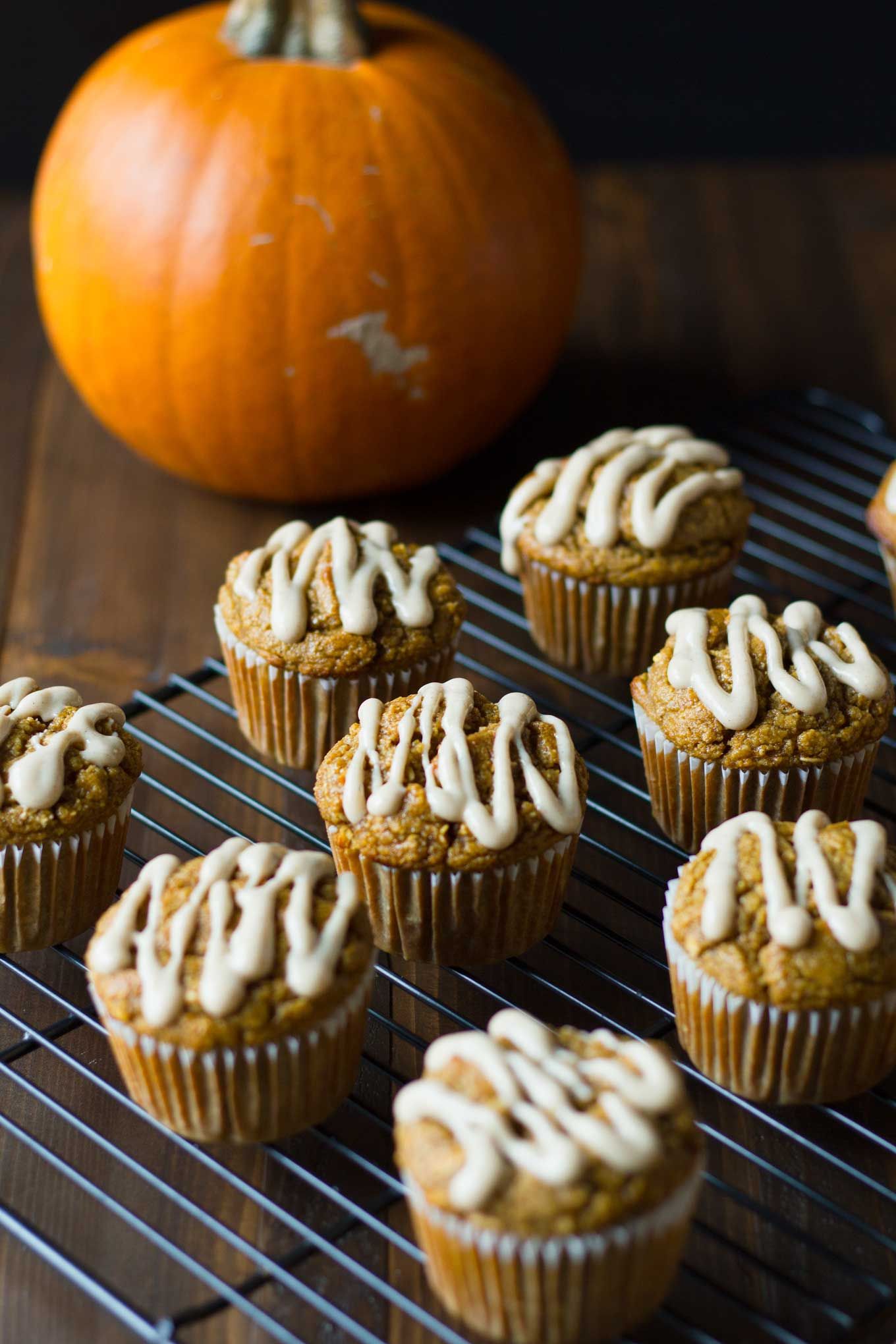 Vegan Pumpkin Blender Muffins | Vegan Pumpkin Blender Muffins are a healthy treat for fall! Gluten-free, oil-free, yet moist and delicious! | https://passtheplants.com