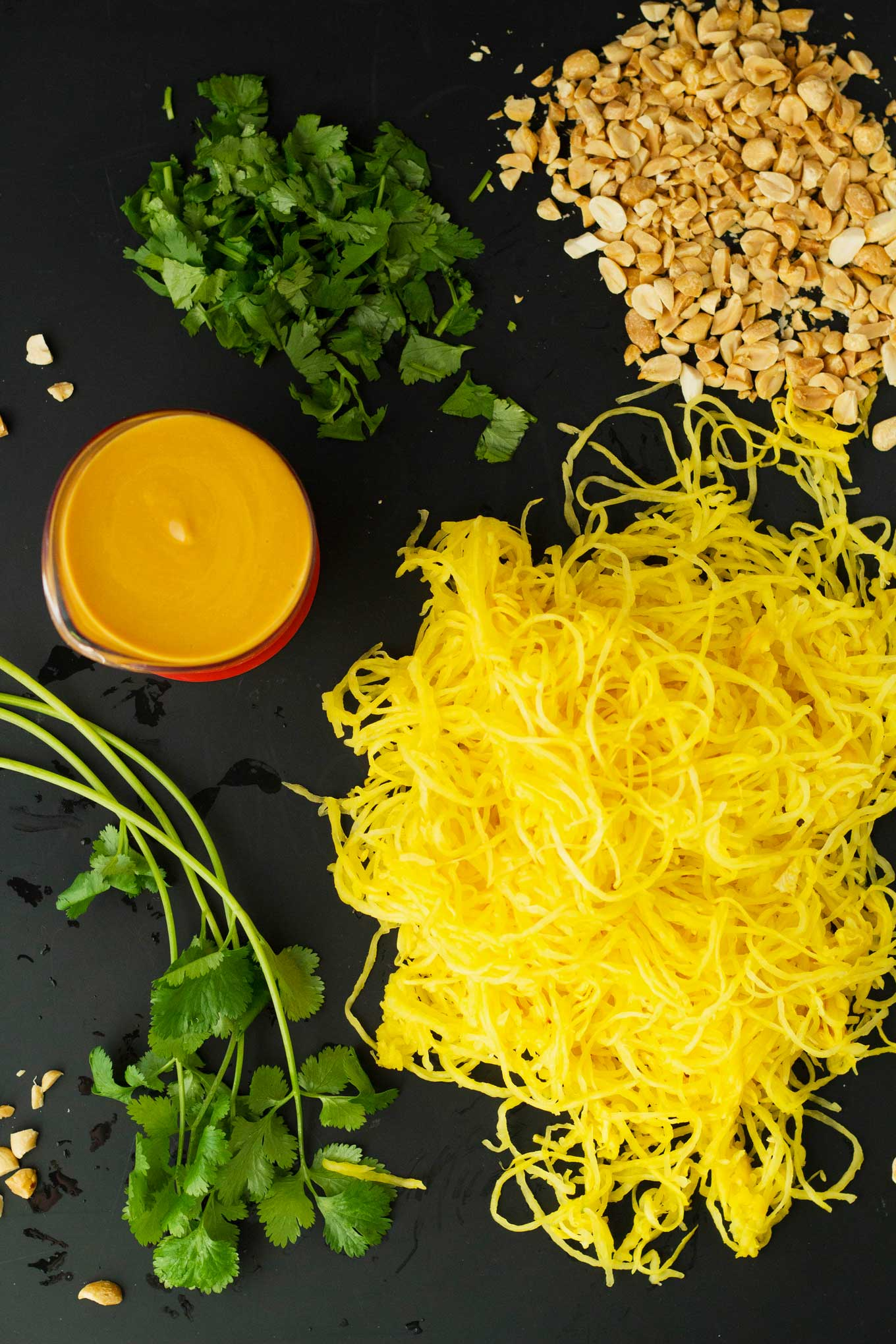Spaghetti Squash Peanut Noodles   Vegan   Plant-based   WFPB   Gluten-free   Oil-Free   Recipe   https://eatwithinyourmeans.com/