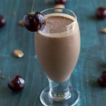 Chocolate Cherry Almond Smoothie | https://passtheplants.com | Vegan